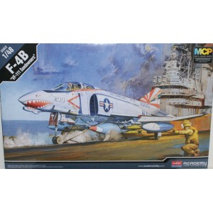 Academy F-4B 1/48