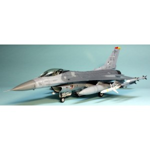 Tamiya F-16CJ Fighting Falcon 1/48
